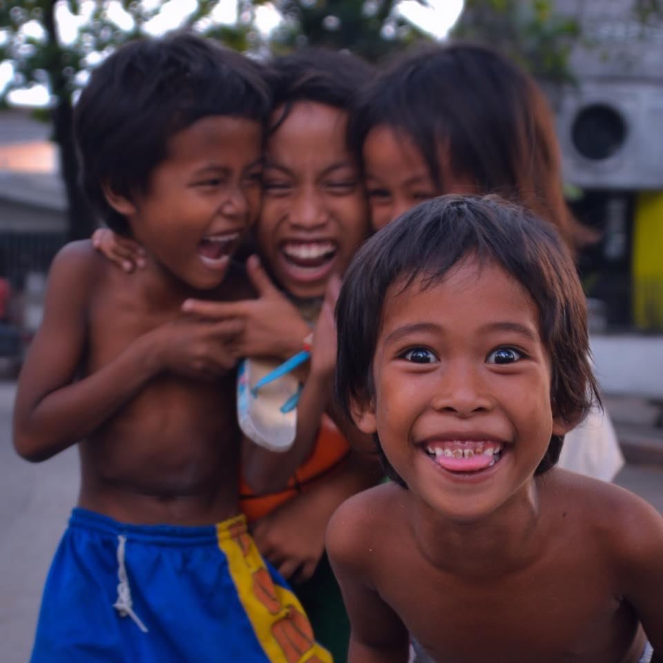 shirtless filipino kids