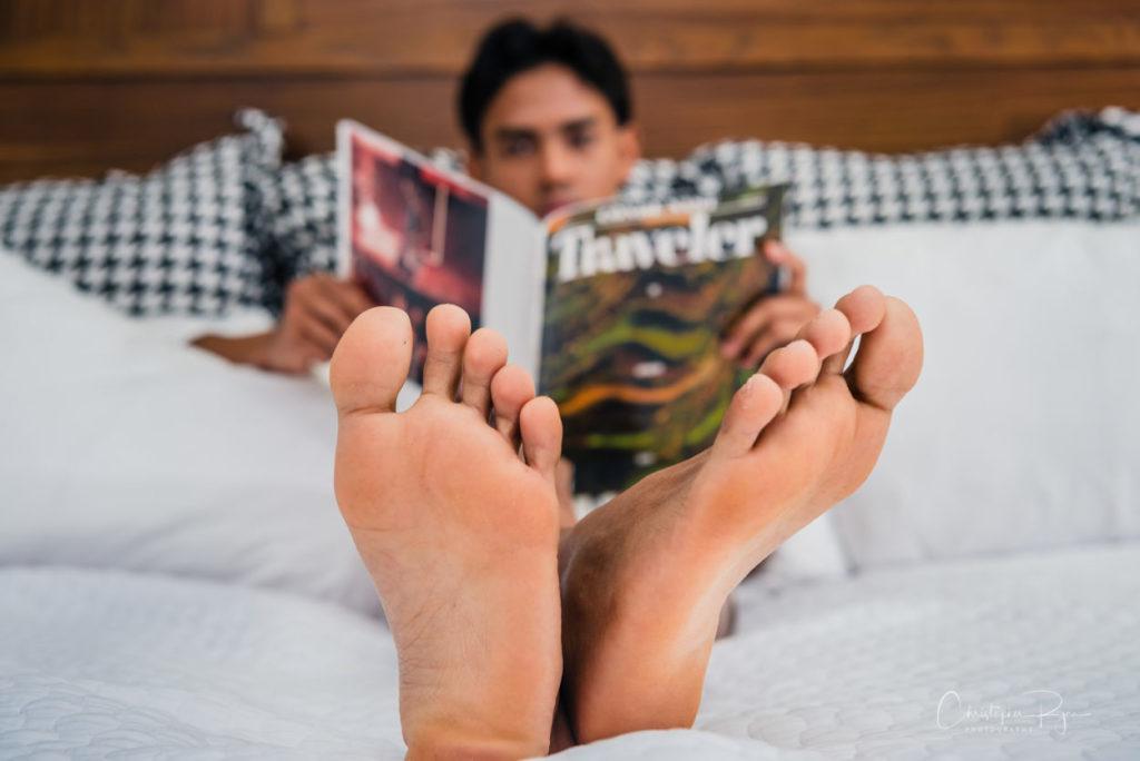 closeup photo of a boy's feet